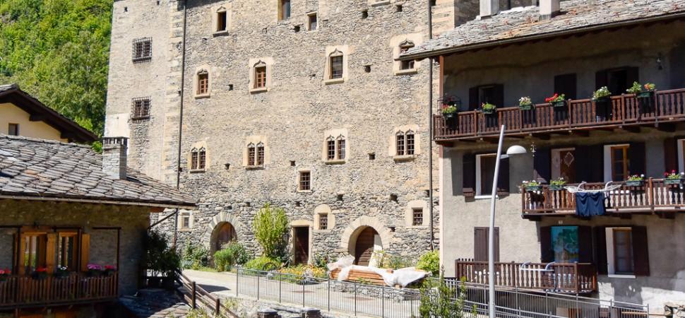 Castello di Avise